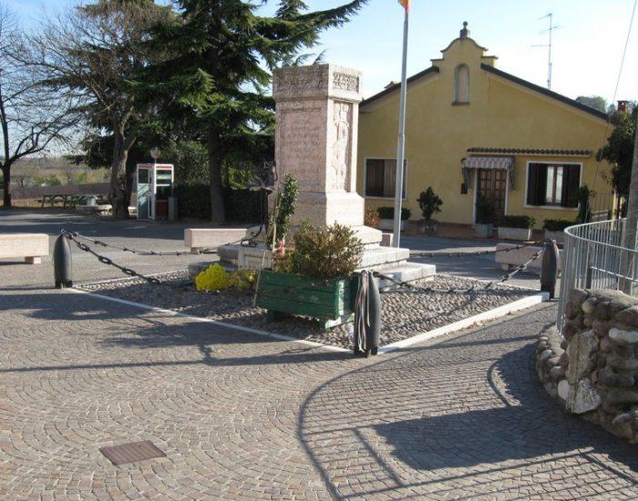 Custoza-Piazza-della-Chiesa
