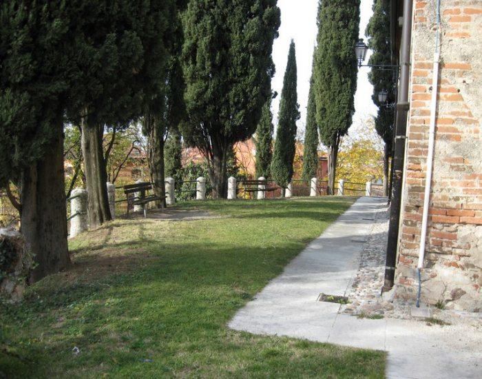 Sommacampagna-Piazza-Castello-3